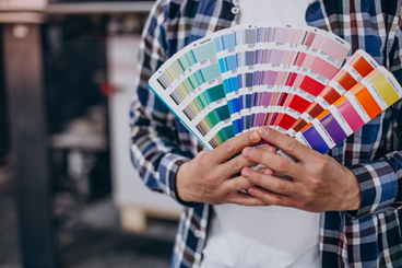 ¿Qué son los Pantones? Lenguaje Universal de Colores