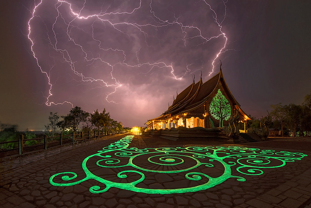 May 04th 2016 - single capture of Wat Phu Prao with Lightning