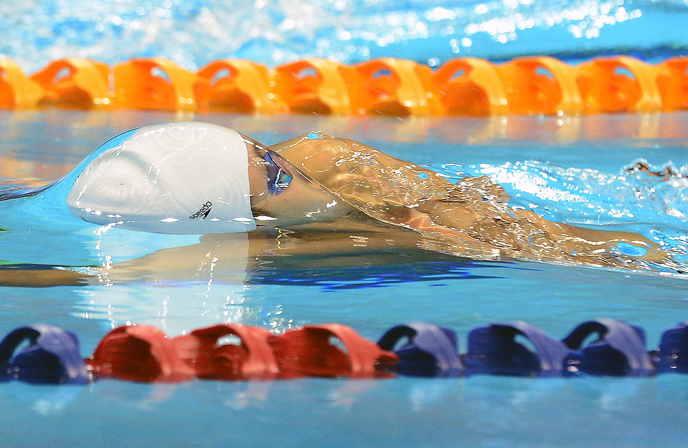 28th SEA Games - Backstroke swimmer emerges just breaking the surface