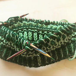Playing with brioche and tuck stitches h
