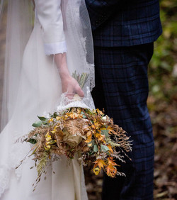 Holly and Ollie's Chic Autumn Wedding
