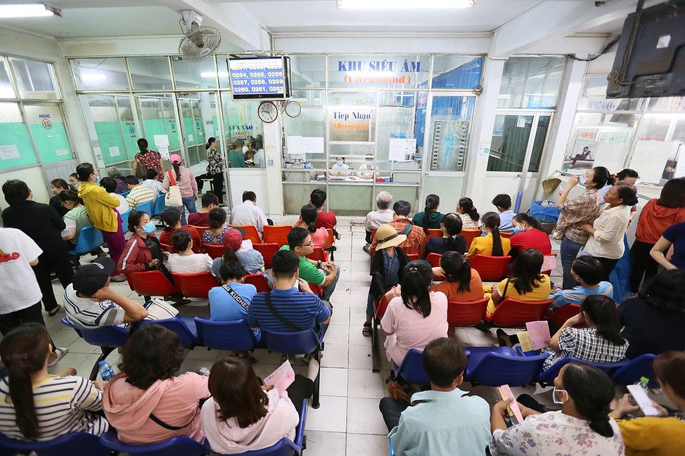 Vietnam Hospital Crowding