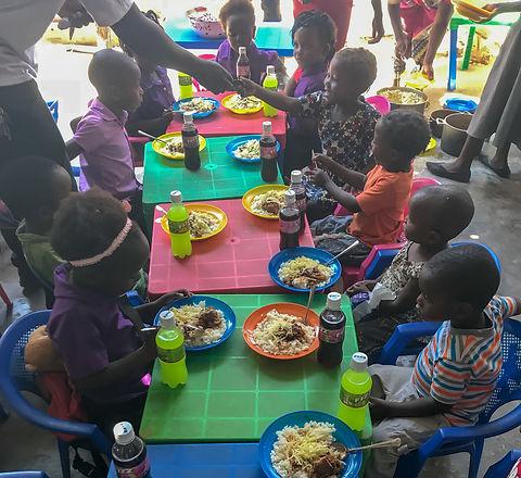 feeding African children
