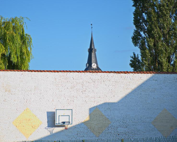 L'ombre est plus précise que le clocher