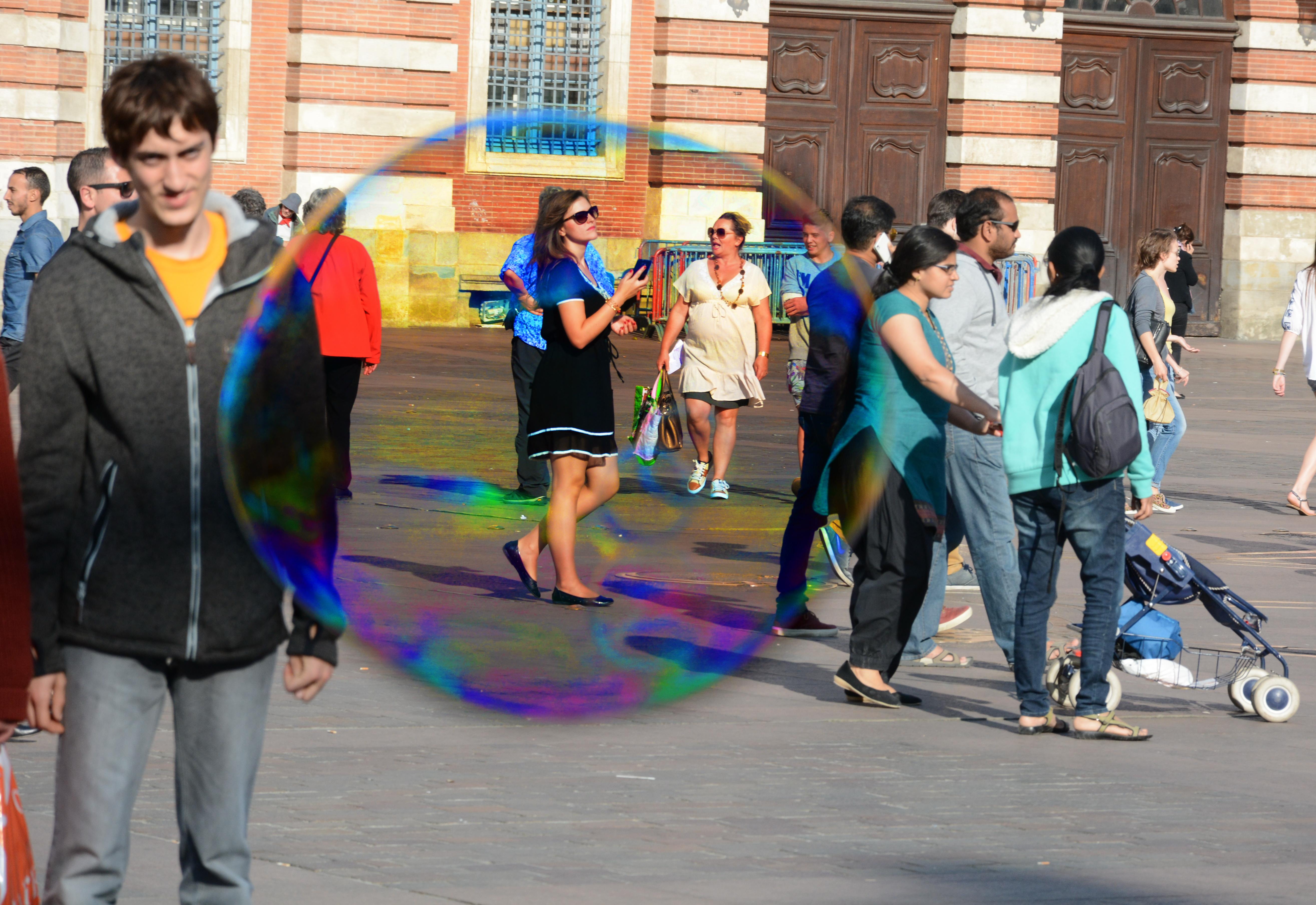 Dans l'oeil de la bulle