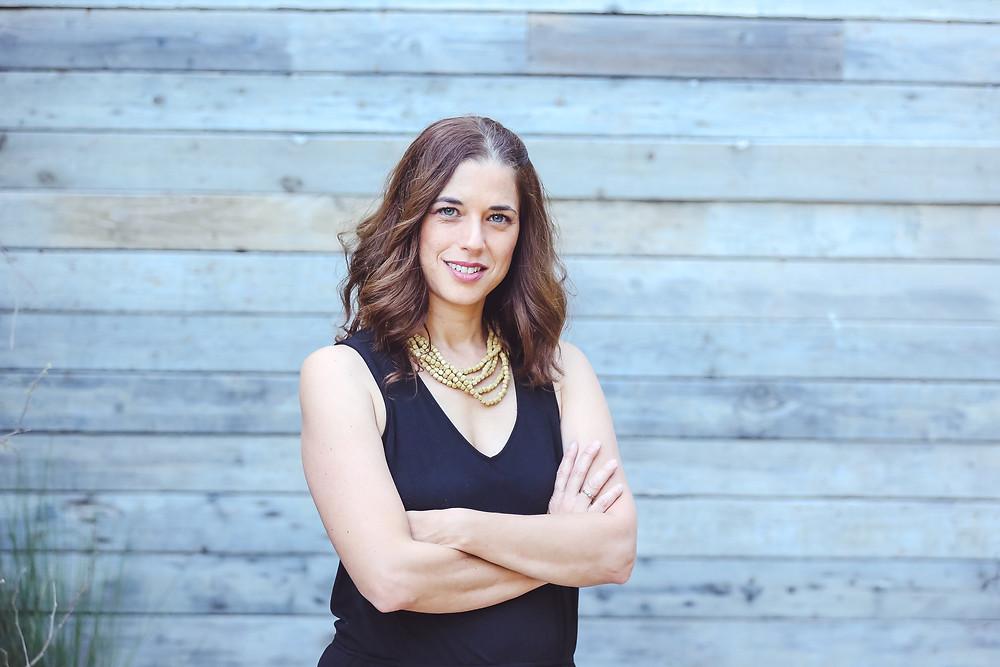 סיון גונן, מומחית לסדר וארגון בתים מדברת על הקושי שלנו בלשחרר ואיך היא מלווה ועוזרת  ללקוחות שלה באתגר השיחרור