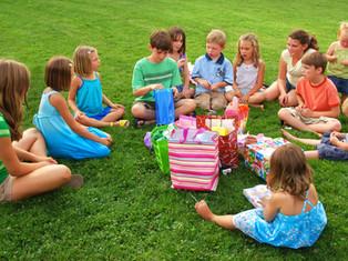 לילד יש יומולדת? מה לעשות כדי לא להשתגע עם המתנות.