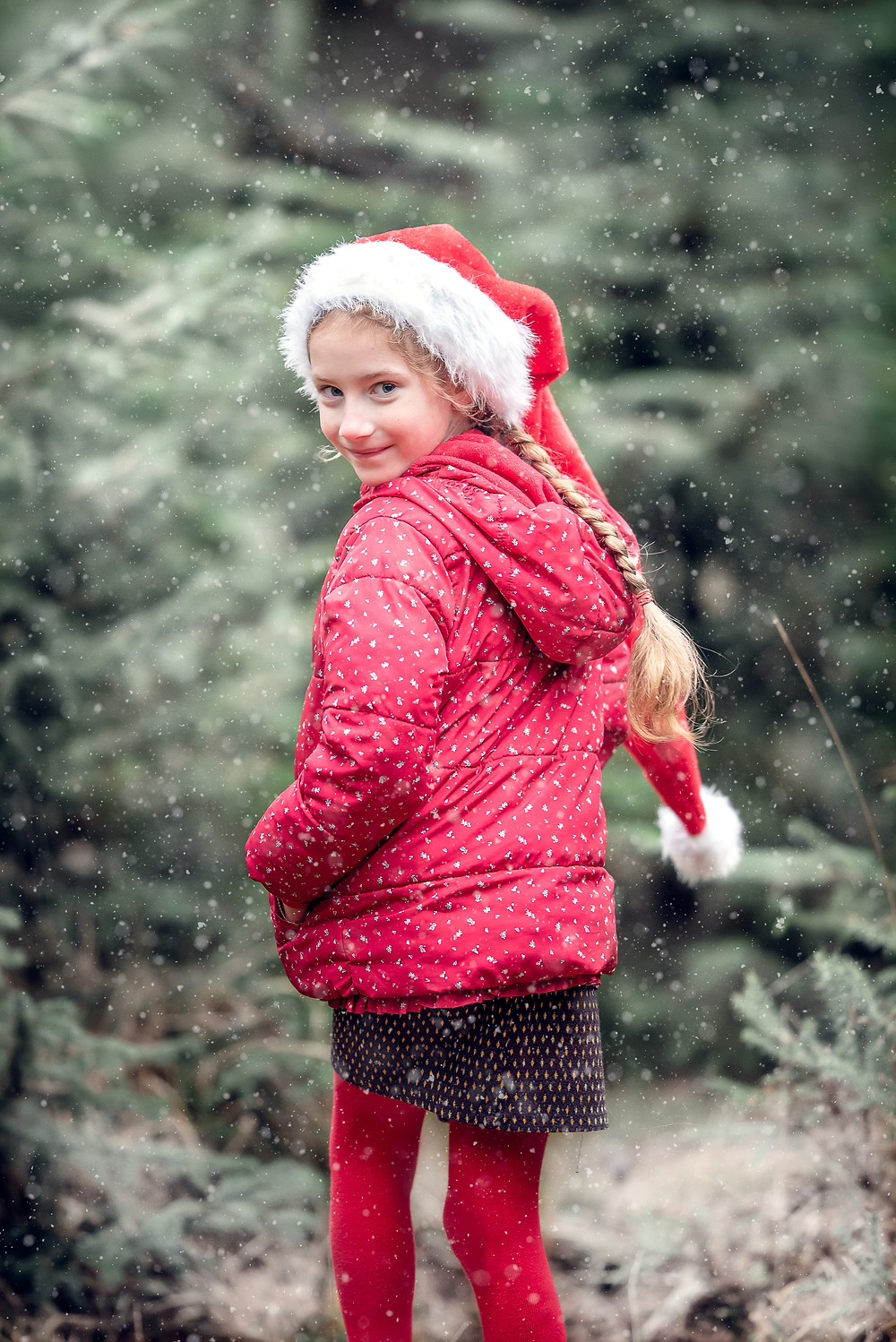 Girl in snow. Outdoor Christmas photography by Somerset photographer Sarah Gibson