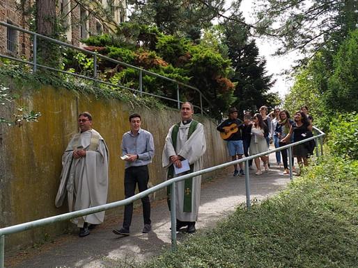 La casa de Alianza se renueva en vida con visitas de sacerdotes.