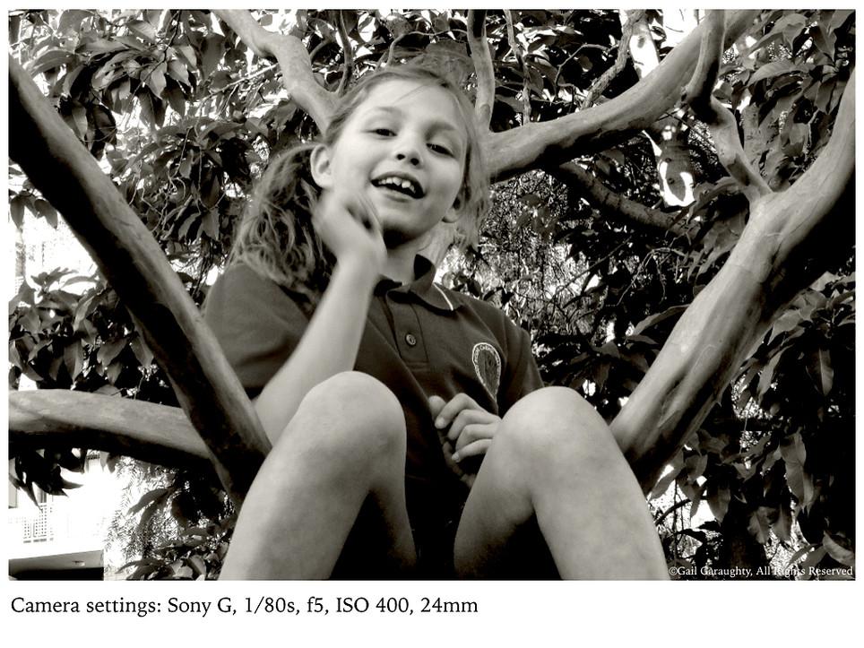Hanna, sitting in a tree