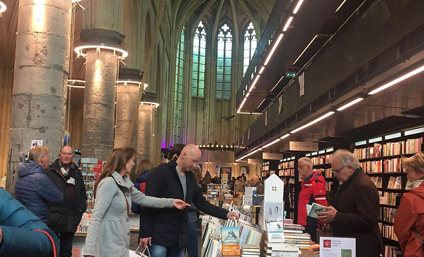 5-bookshop.jpg