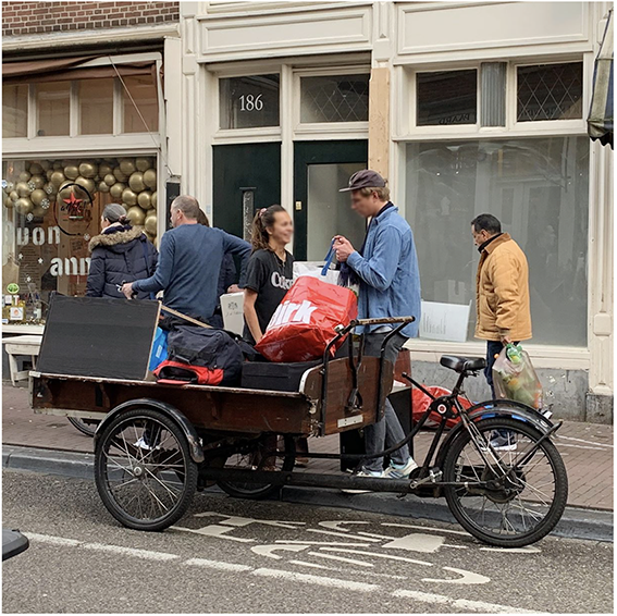 2-bakfiets-moving-tm