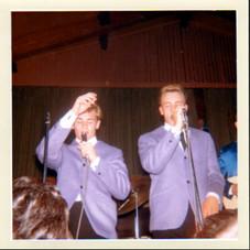 Jon & Lee 65 w/the Checkmates a Toronto dancehall 1964