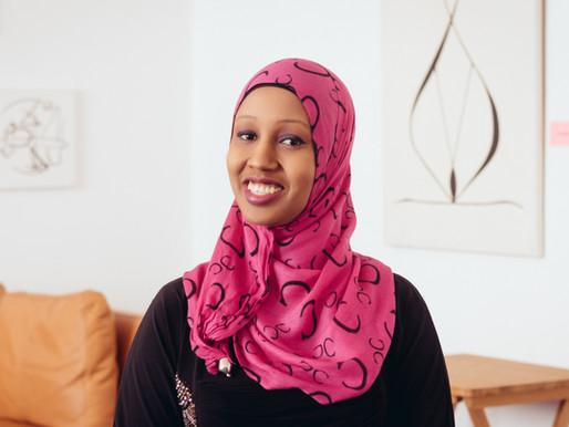 Anab Mohamud hat als Gründerin von Space2groW den Global Citizen Germany's Hero Award gewonnen.