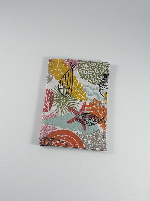 Porte cartes motif poissons en coton enduit