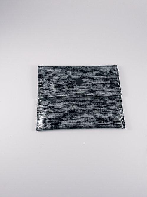 Mini pochette en toile cirée imitation bois