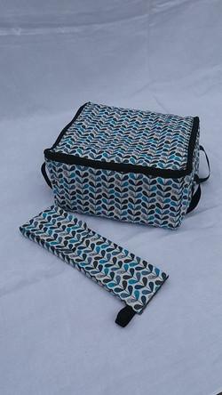 box isotherme et sa pochette à couverts