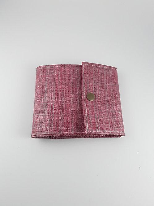 porte chéquier rouge brill qui se replie avec espace porte cartes en toile cirée