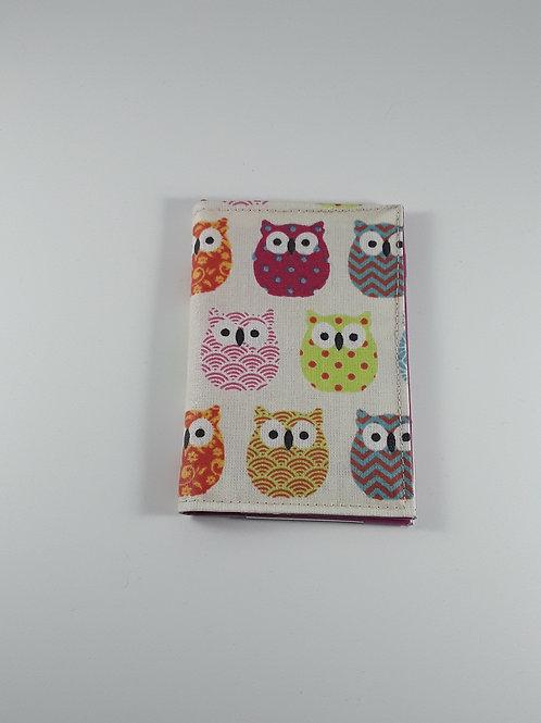 Porte cartes Chouettes colorées en toile enduite