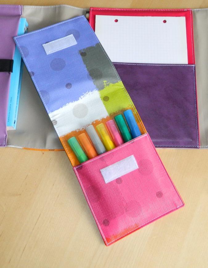 Pochettes à crayons de couleur