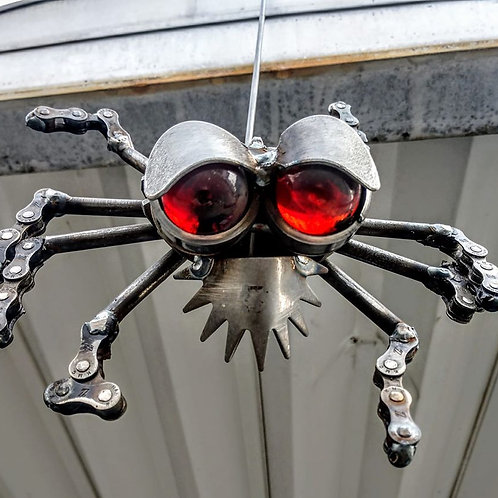 spider from recycled chains