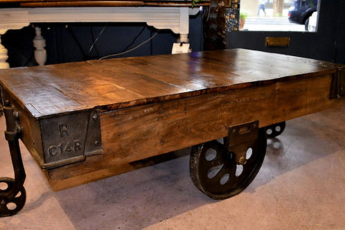 vintage dooly coffee table    **IN STORE PICKUP ONLY**