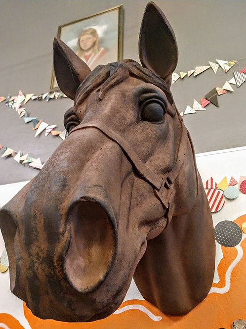 massive horse head**IN STORE PICK UP ONLY**
