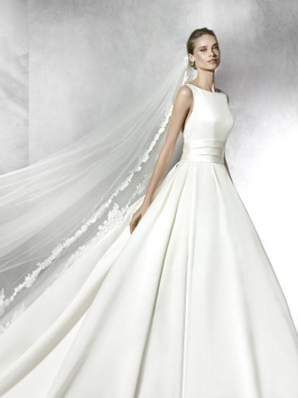 Tami by Pronovias
