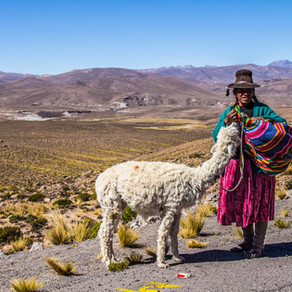Pegando um ônibus local no Peru
