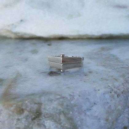 Double Rivet Ring