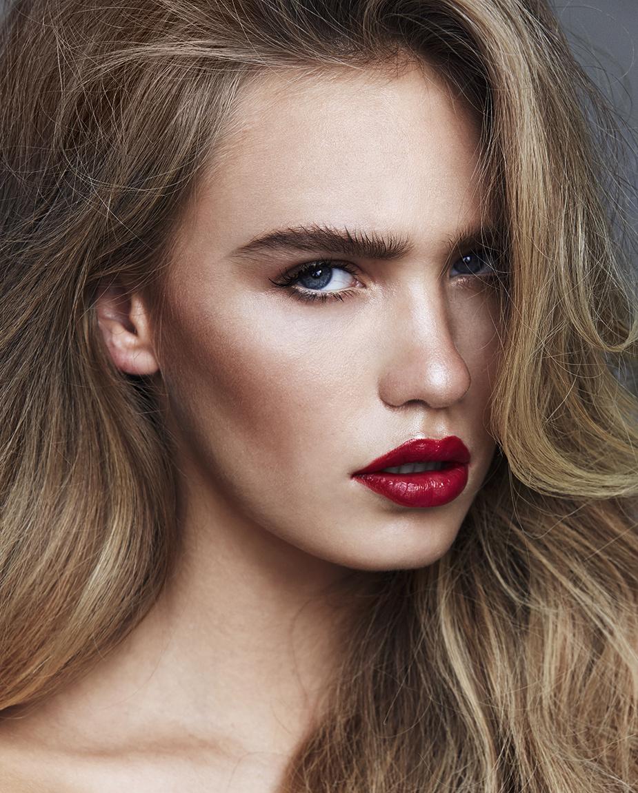 Zoe Cross x Beauty