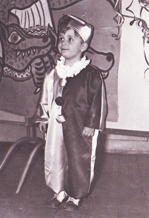 prvé verej né vystúpenie 3 roky 1969.jpg
