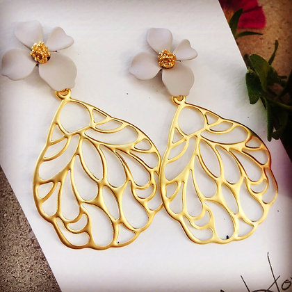 Putty Flower & Gold Filigree Leaf Earrings