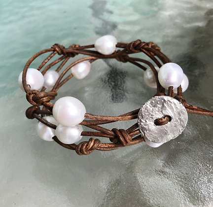 Pearl & Leather Wrap 451