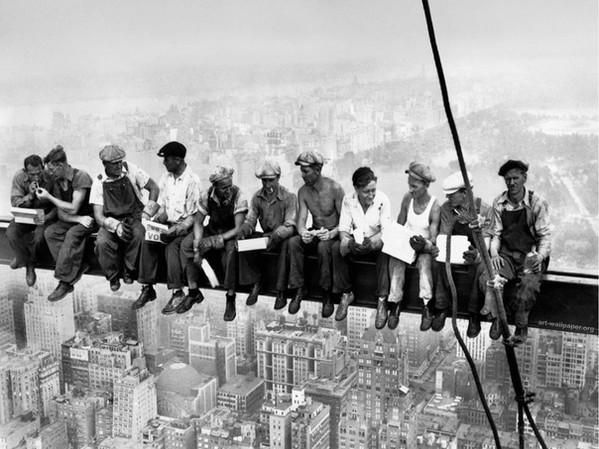 pranzo in cima grattacielo.jpg