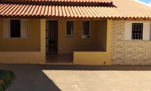 REF 242 Casa, 3 dormitórios, Piraju /SP.