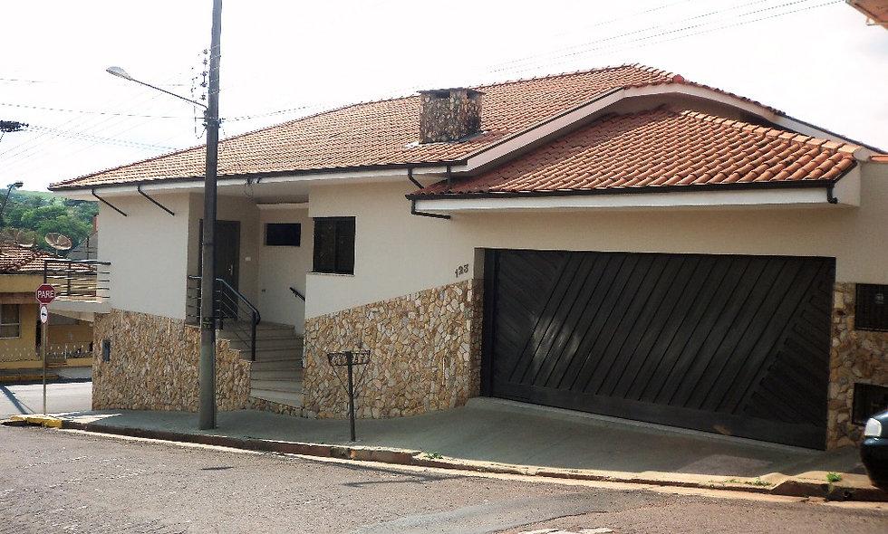 REF 68 Casa, 3 dormitórios, 304m², no Centro , Piraju/SP.