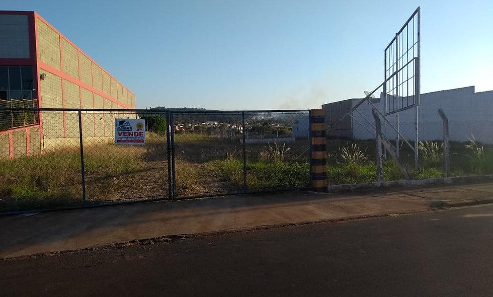 REF 82 Terreno, 4.200m², na Vila Campos, Piraju/SP.