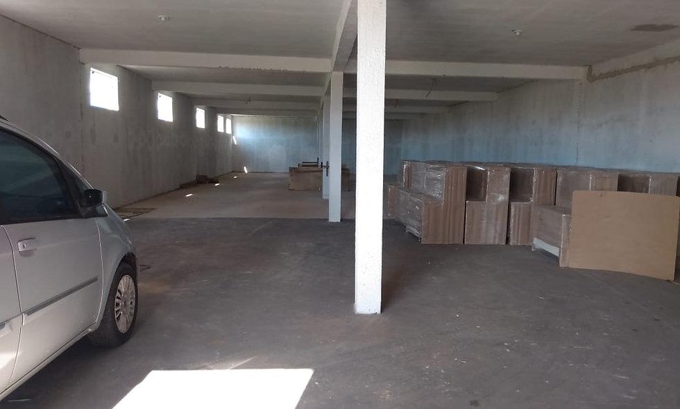 REF 199 Barracão 320 m², 2 banheiros, Piraju /SP.