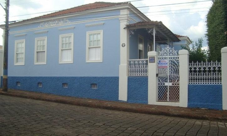 REF 41 Casa, 4 dormitórios, 278m², no Centro, Piraju/SP.