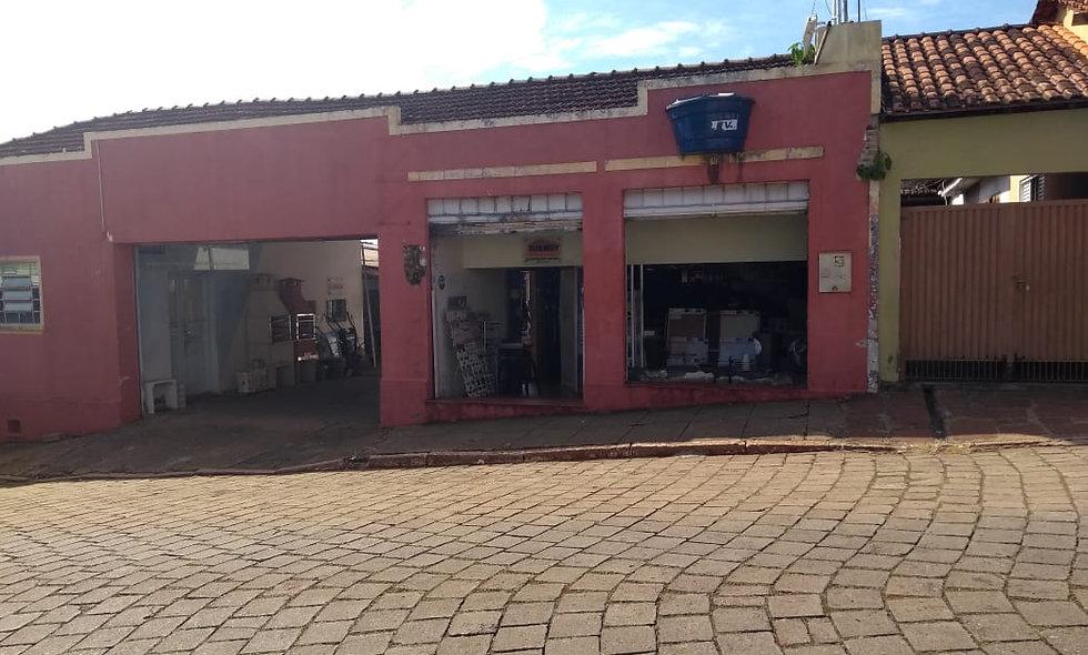 REF 57 Prédio Comercial,  689m², no Centro , Piraju/SP.
