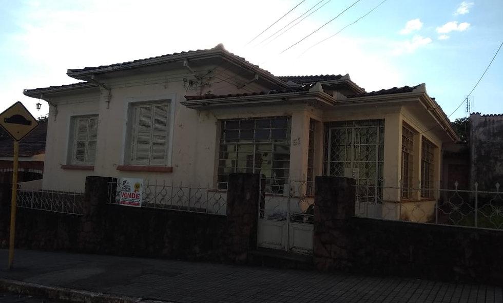 REF 58 Casa, 4 dormitórios, 273m², no Centro , Piraju/SP.