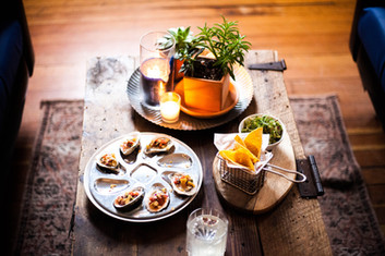 oysters and drink.jpg