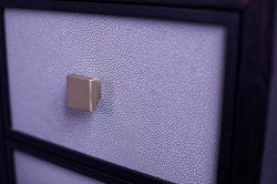 Shagreen detail and quality handle