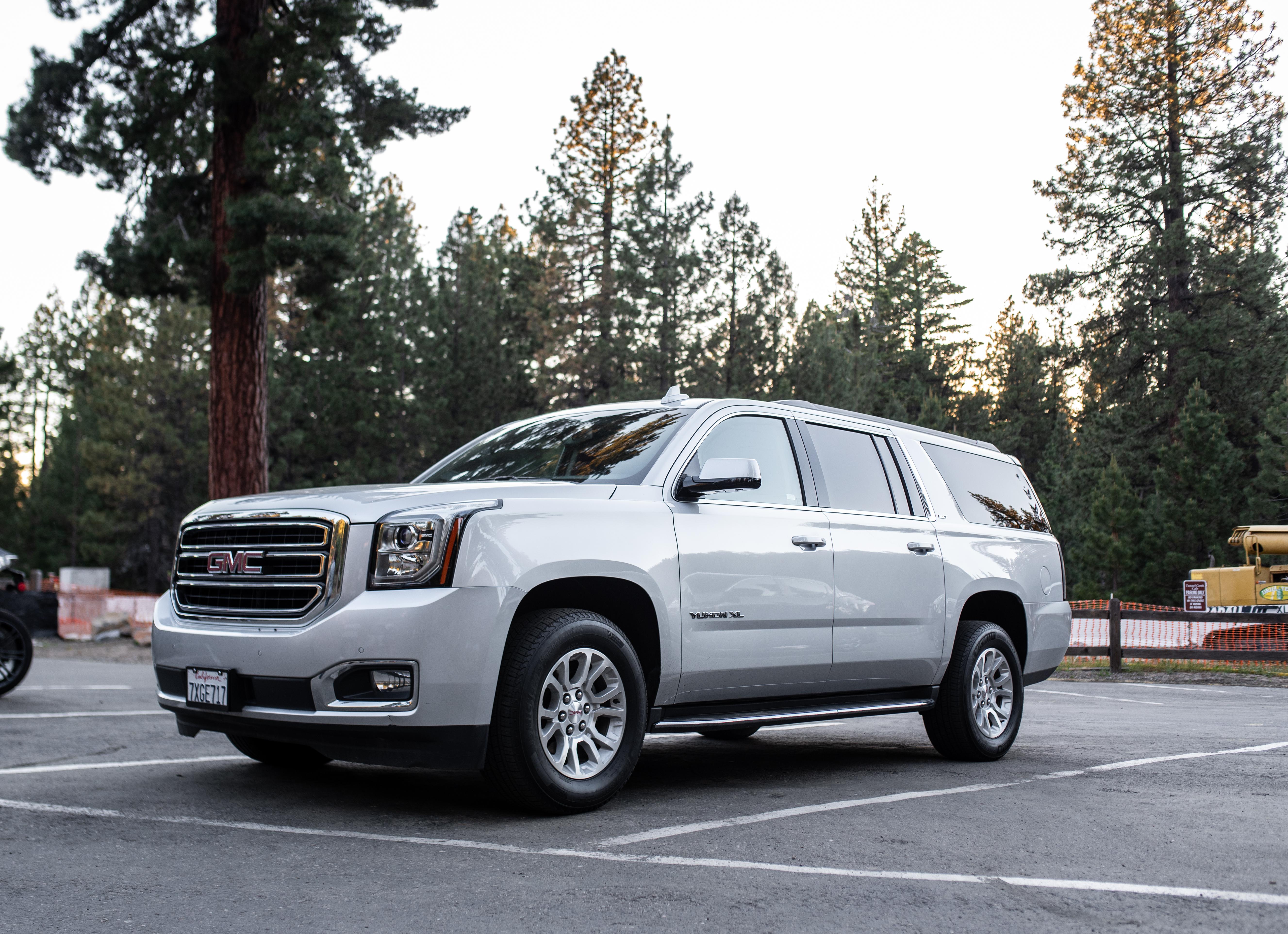 GMC Yukon XL SLE