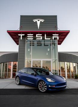 Tesla Model 3 Perfomance Satin Blue
