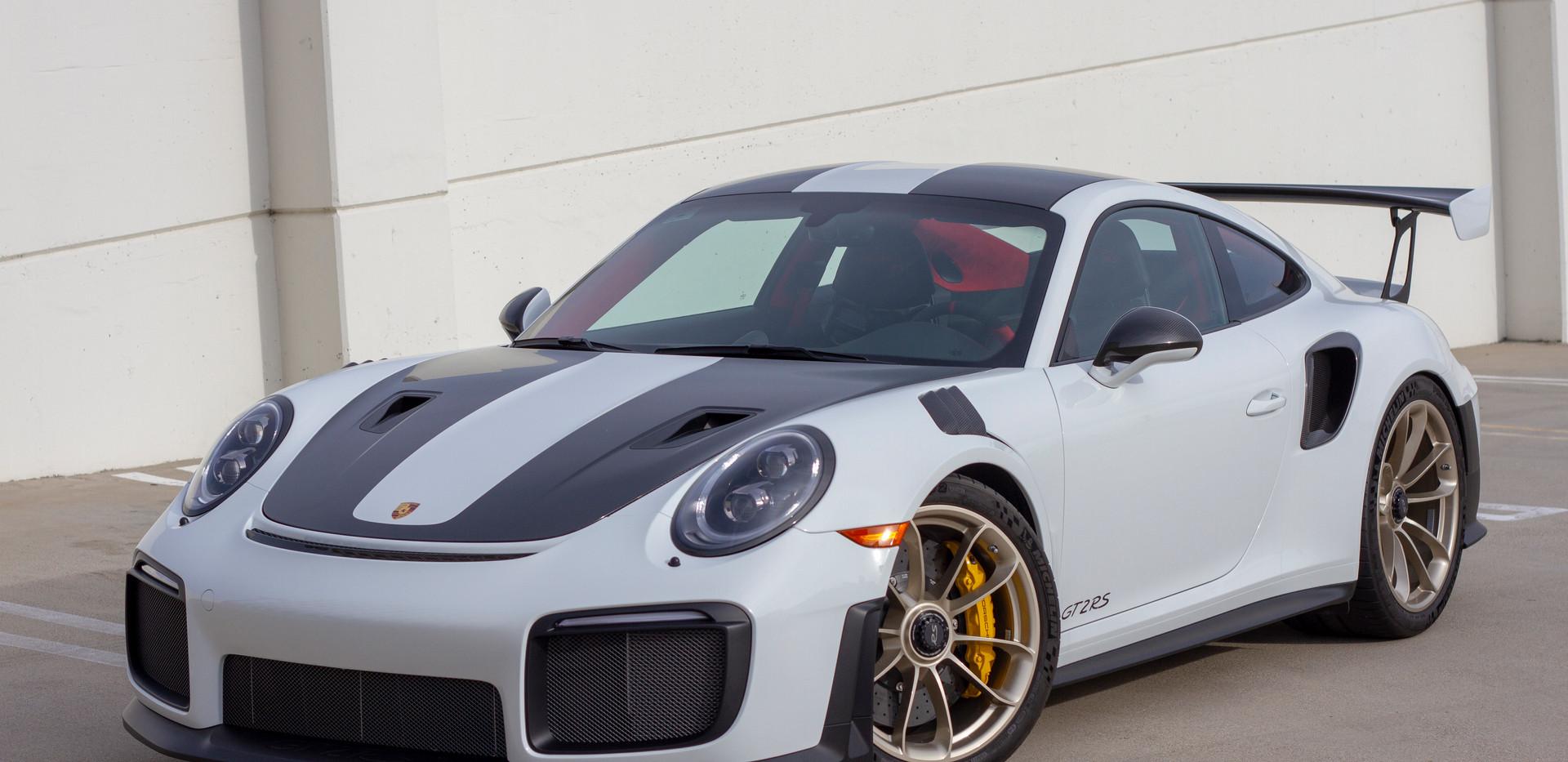 Porsche 911 GT2RS Rental Car