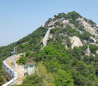 Inwangsan Mountain - G2 - Summit.jpg