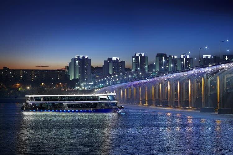 Yeouido Hangang Park - Han River Cruises & Getting There | Seoul, South Korea