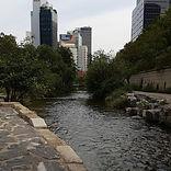 Cheonggyecheon Stream - Day view 4.jpg